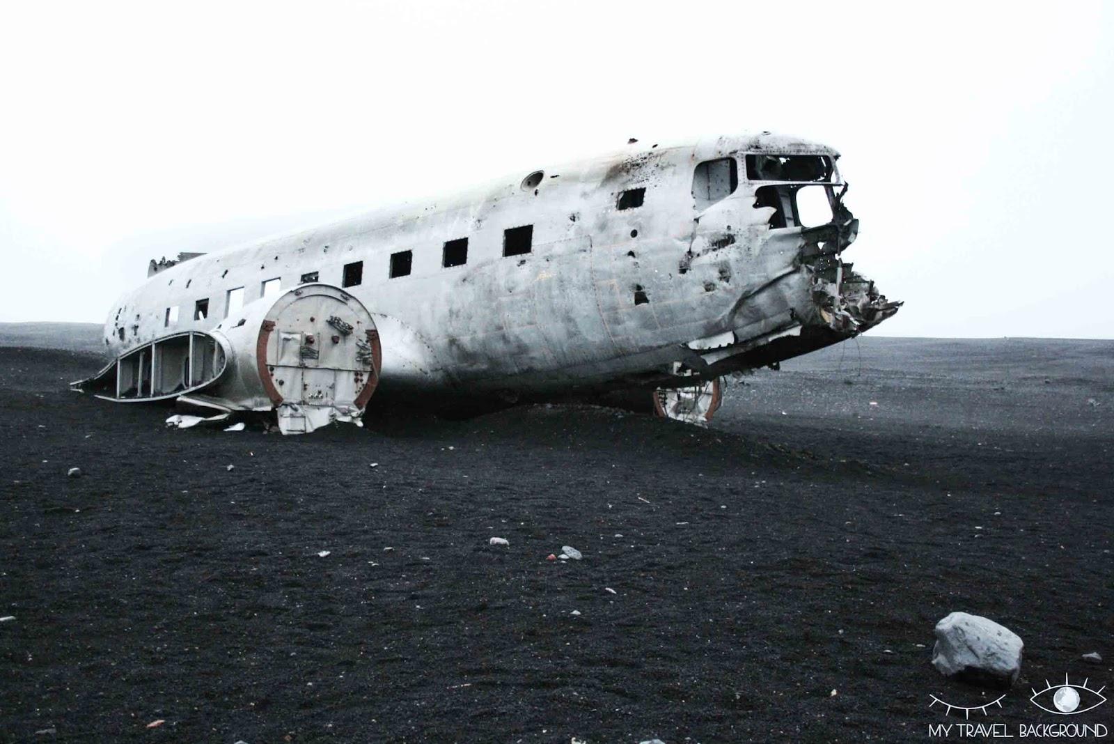 My Travel Background : où trouver l'avion abandonnée dans le désert islandais? Islande avion DC-3 américain