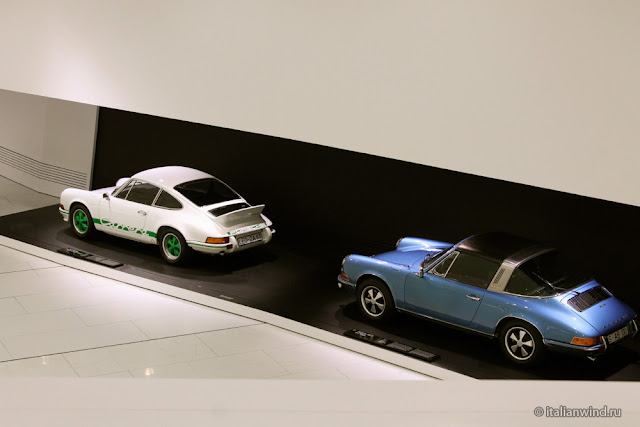 Porsche 911 Carrera RS 2.7 Coupe 1973 г. и Porsche 911 S 2.2 Targa 1970 г.