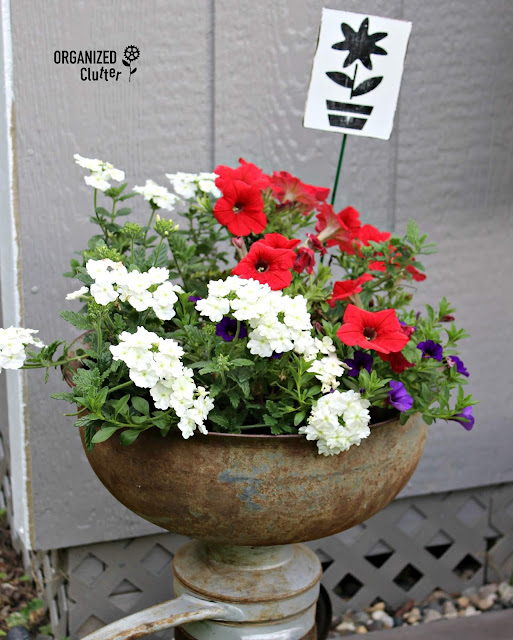 Upcycled Flower Pot Decor With Paint & Stencils