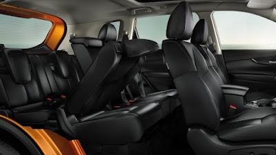 L'intérieur de la voiture SUV 7 places Nissan X-Trail
