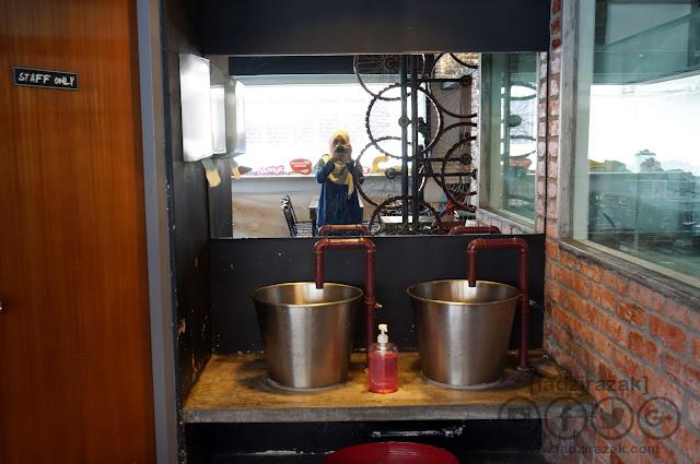 Crab Factory: Original Louisiana Boil @ SS2
