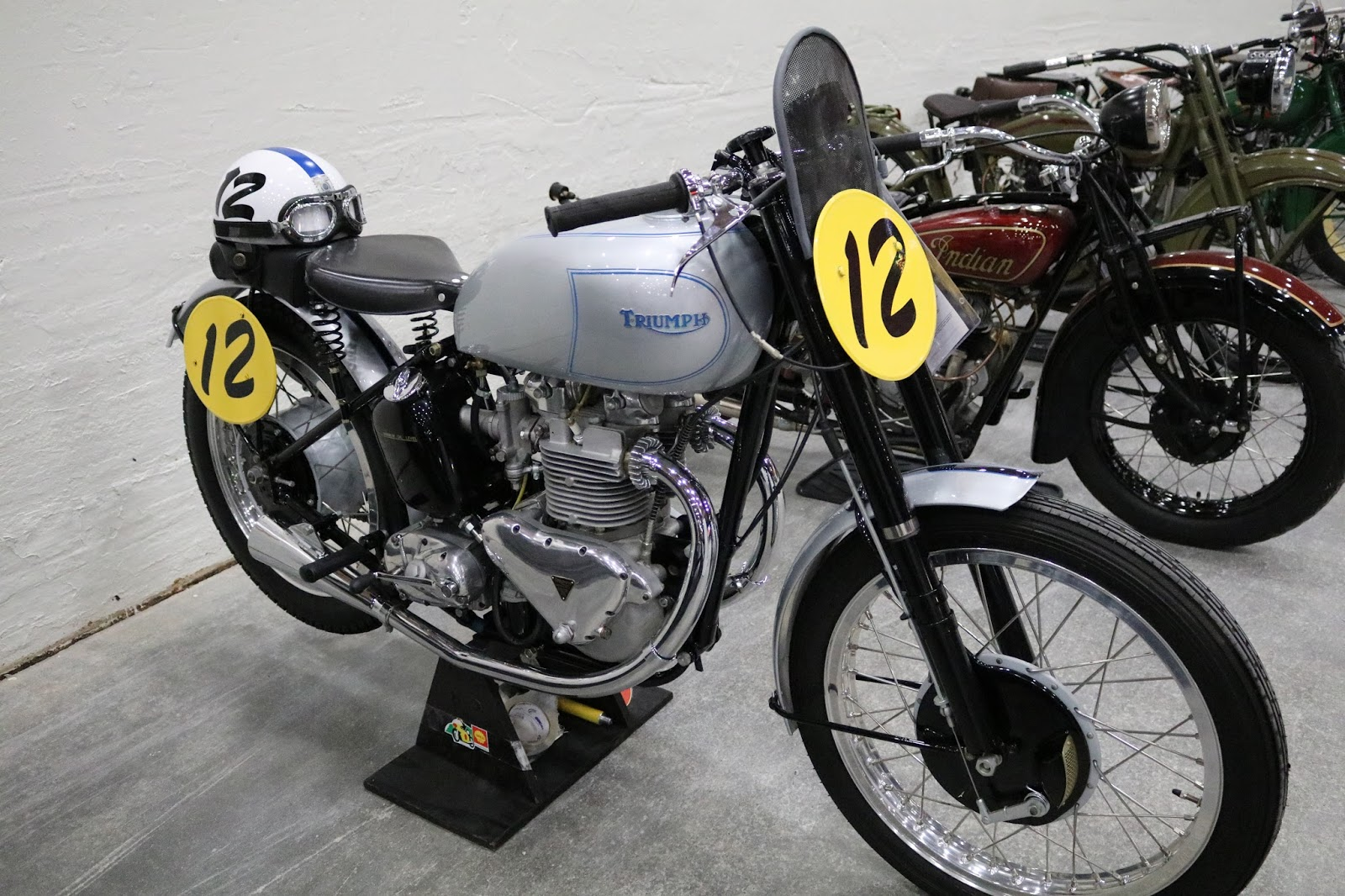 oldmotodude 1949 triumph 500cc grand prix square barrell for sale at the 2017 mecum las vegas. Black Bedroom Furniture Sets. Home Design Ideas