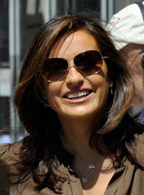 All Things Law And Order: Mariska Hargitay, Dean Winters on Location for SVU (Photos)