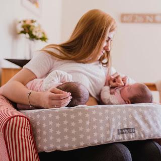 cojín de lactancia gemelar mimuselina reacciones a un embarazo múltiple lactancia en tandem blog mimuselina