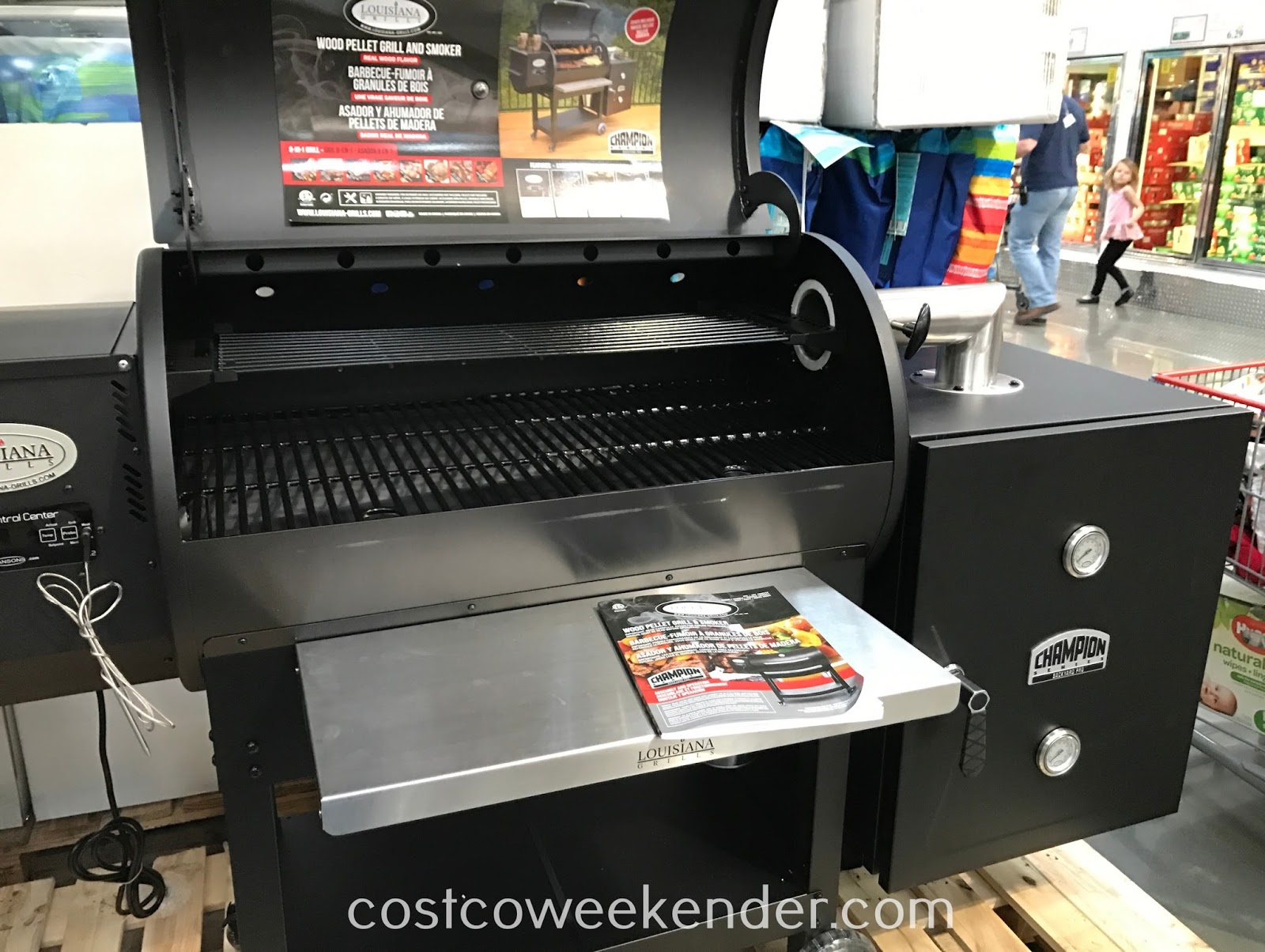 If you love bbqs, you'll love the Louisiana Grills Wood Pellet Grill and Smoker (model 60901)