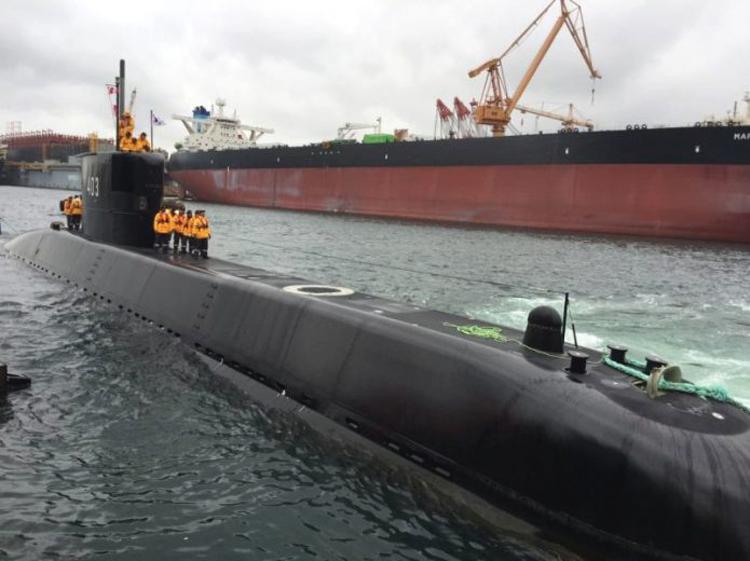 Dok. KRI Nagapasa 403 saat uji laut di Korea Selatan
