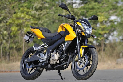 2017 Bajaj Pulsar 200NS side view image
