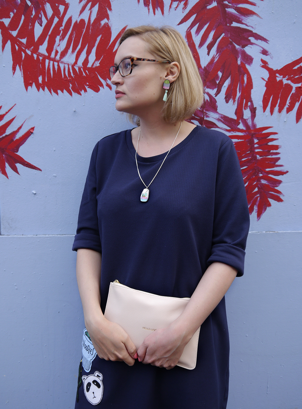 blue outfit, oversized slouchy dress, palm tree blog background, edinburgh, modern fashion silhouette, uk style blogger, wardrobe conversations, sew on patch, the whitepepper,