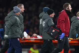 Bellerin will be out for up to nine months after rupturing his ACL ( Getty Images )