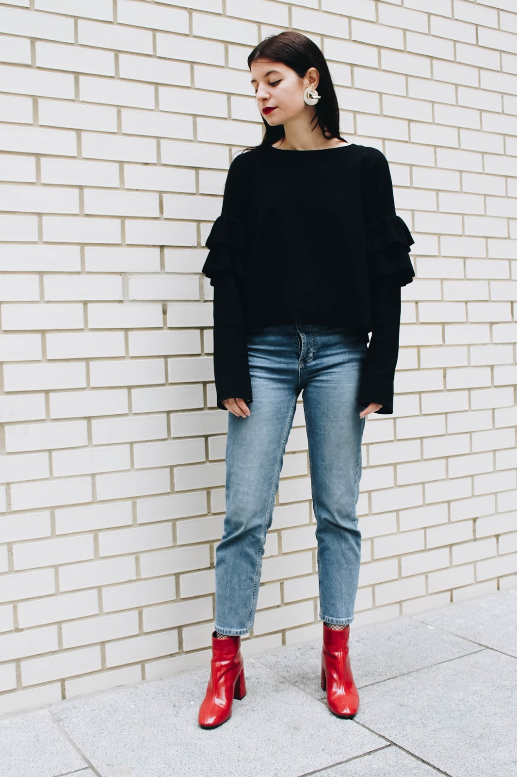 fashion blogger, london blogger, microinfluencer, bandana scarf, leather bag, croc bag, accessorize bag, accessorize leather, denim, red, h&m ruffle top, ruffle sleeves, red boots, red zara boots, statement earrings, accessorize earrings, fishnet