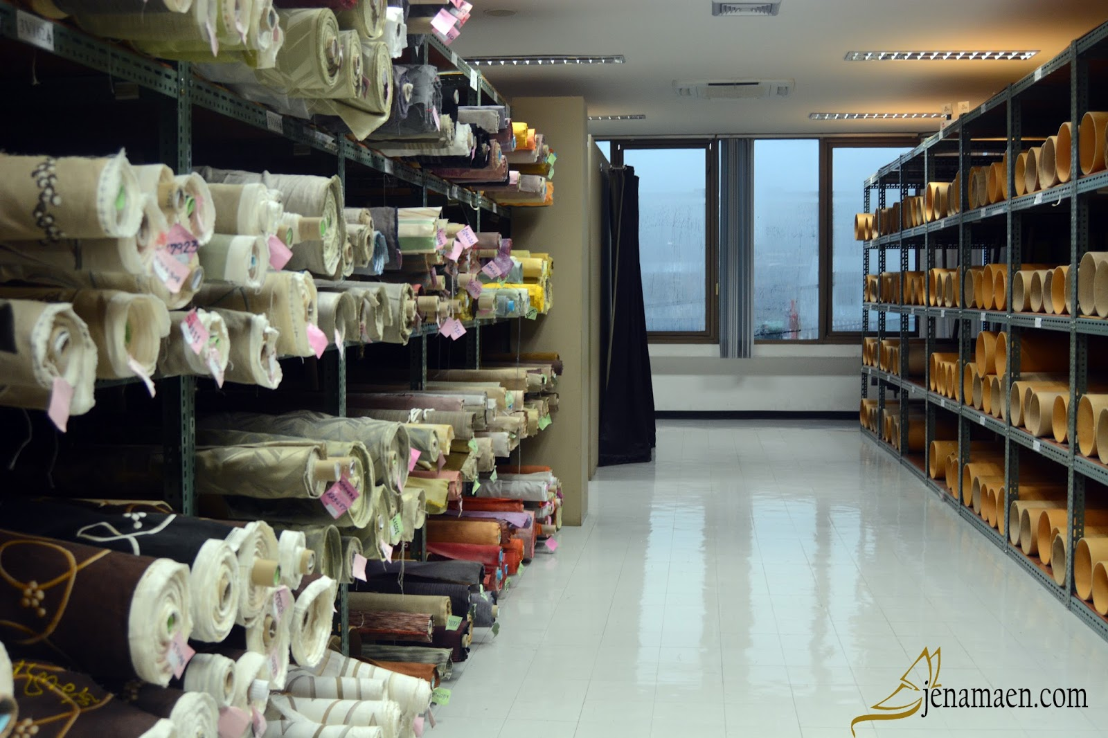 A Glimpse of Jim Thompson Factory Sales Outlet