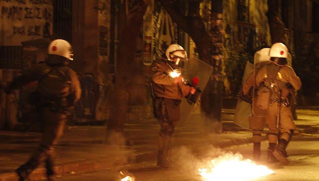 Έξι συλλήψεις για τα επεισόδια το βράδυ στο Πολυτεχνείο και τη Σταδίου