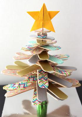 sapin en bois DIY activité manuelle avec étoile en origami
