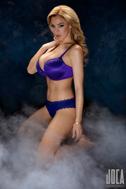 Jordan-Carver-WWL-Photo-Shoot-in-Hot-Blue-Bikini-HD-Picture-9