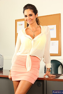 Ava Addams :  Fucking in the desk with her bubble butt ## NAUGHTY AMERICAz6vw0mextc.jpg