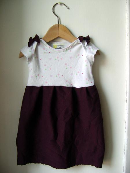 Amato a zonzo per idee: Vestitini bambina fai da te (come riciclare body  FC51