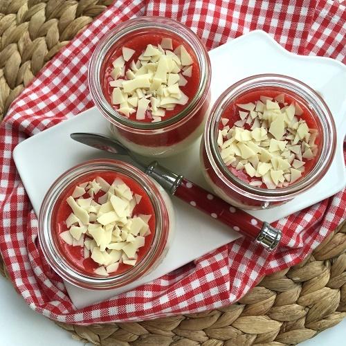 Spaghettieis-Dessert ~ Mascarpone-Quark-Creme mit Erdbeersauce
