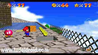 Mario Mengangkat Barang