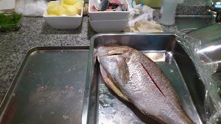 出張料理:アクアパッツァ用の真鯛
