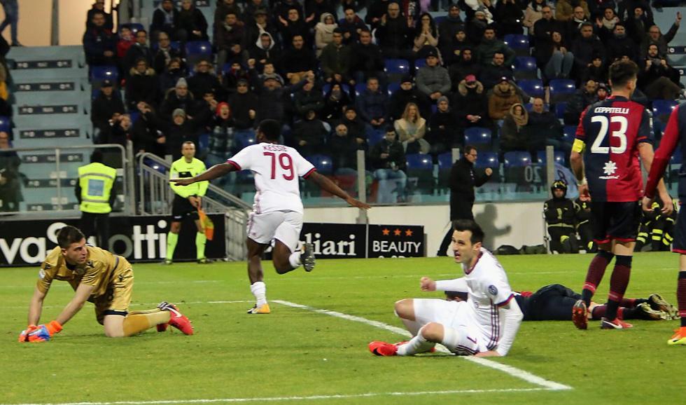 Kessié in rimonta regala la vittoria del Milan a Cagliari | Calcio Serie A