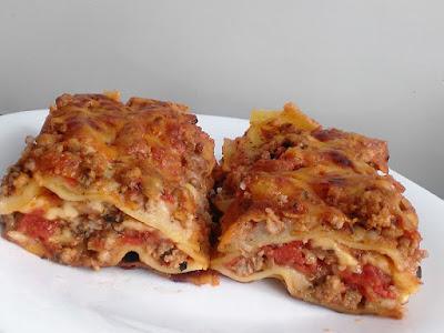 Danie z kuchni włoskiej z makaronem