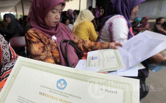 562.392 Guru di Kementerian Agama Belum Sertifikasi