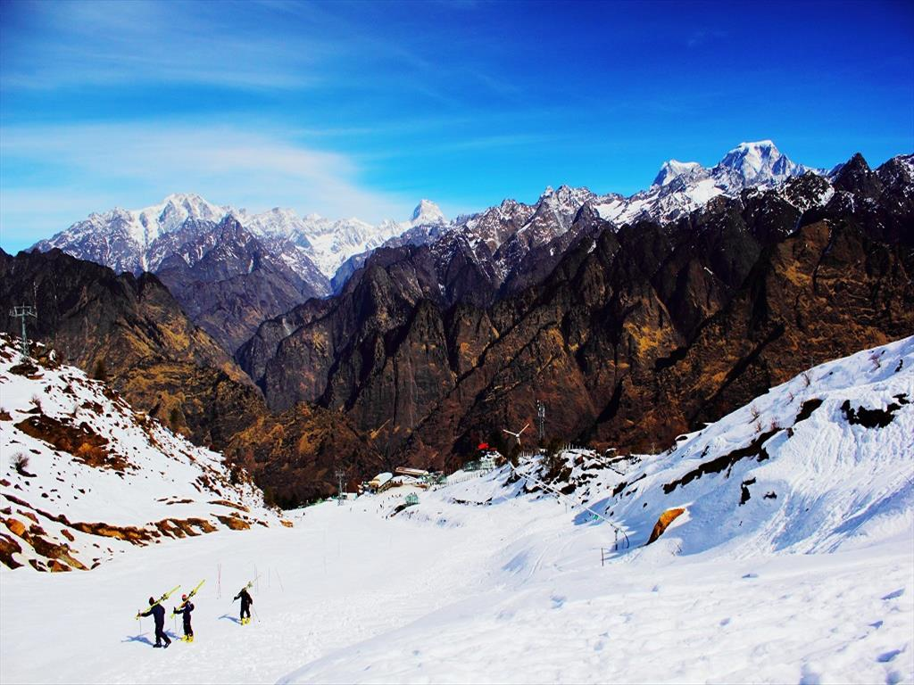 Hd wallpaper uttarakhand - Auli Skiing Wallpapers And Images