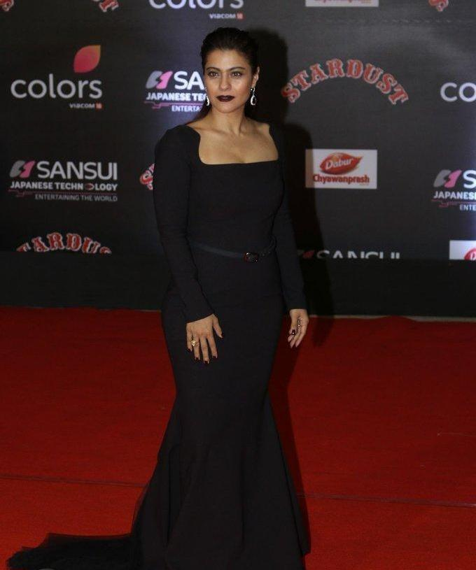 Kajol At Red Carpet Sansui Colors Stardust Awards In Black Dress
