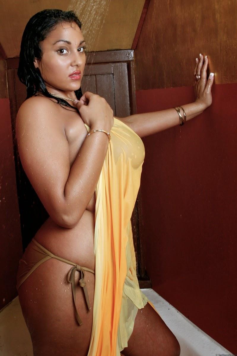 Top Local bhabhi XXX nude saree, bra, panty removing HD pic