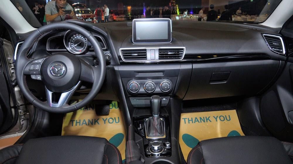 mazda%2B3%2B2015%2B %2Btoyota%2Btan%2Bcang%2B %2B6 -  - Toyota Corolla Altis 2014 và Mazda 3 2015: Chiếc xe nào dành cho bạn?