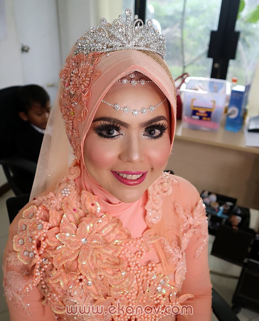 Rias Pengantin Indonesia Paes Ageng untuk Wanita Berjilbab