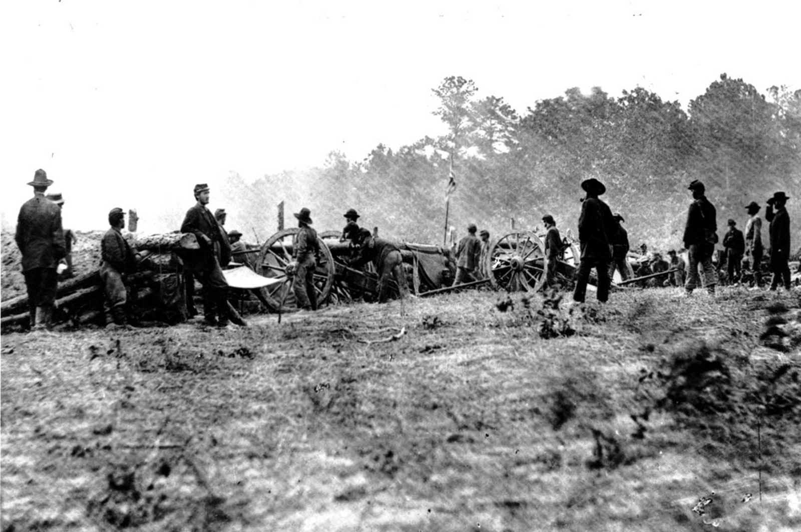 Union forces of Benson's Battery in the Battle of Seven Pines stand guard in the fighting against Gen. Thomas