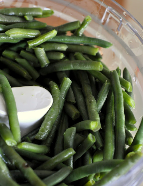 Green-Beans-Food-Processor-tasteasyougo.com