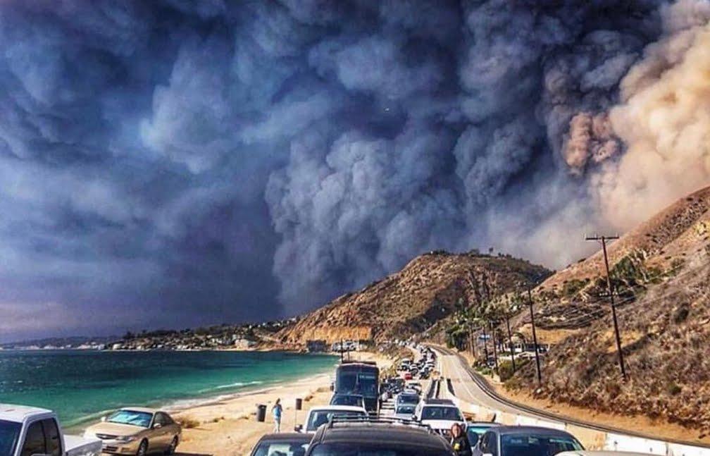 Incendio California: avvolta nel fuoco anche la villa di Lady Gaga a Malibú.