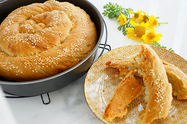 Feta Cheese Bread - Tyropsomo