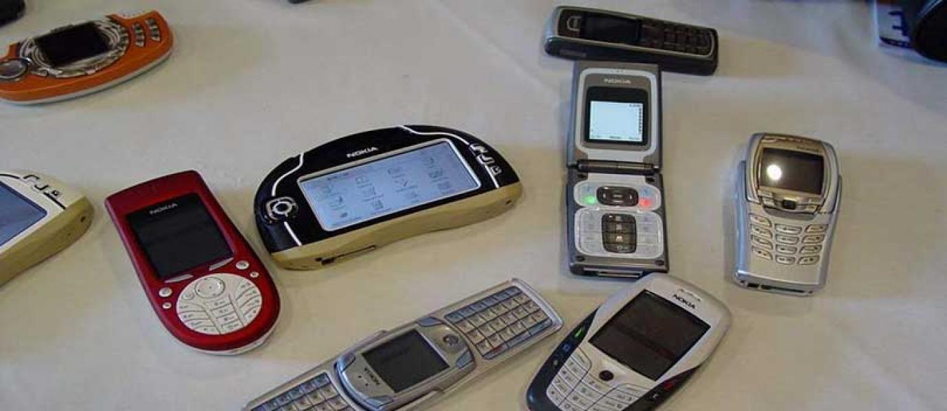 9 Kebiasaan Unik Pengguna Handphone Jadul Blog Limapria