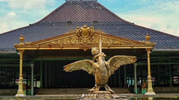 gambar tempat wisata solo Pura mangkunegaran
