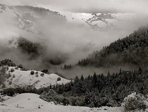 25 Gambar Pemandangan Hitam Putih HD yang Indah | Gambar