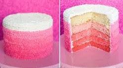 Foto Ombre Cake Merah Muda