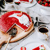 Letnia tarta z kremem z mleczka kokosowego i musem truskawkowym