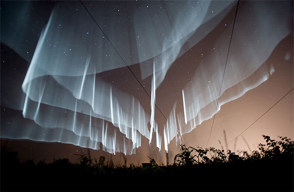 15+ Pics That Show Photography Is The Biggest Lie Ever - How Rare White Curtain Auroras Are Made