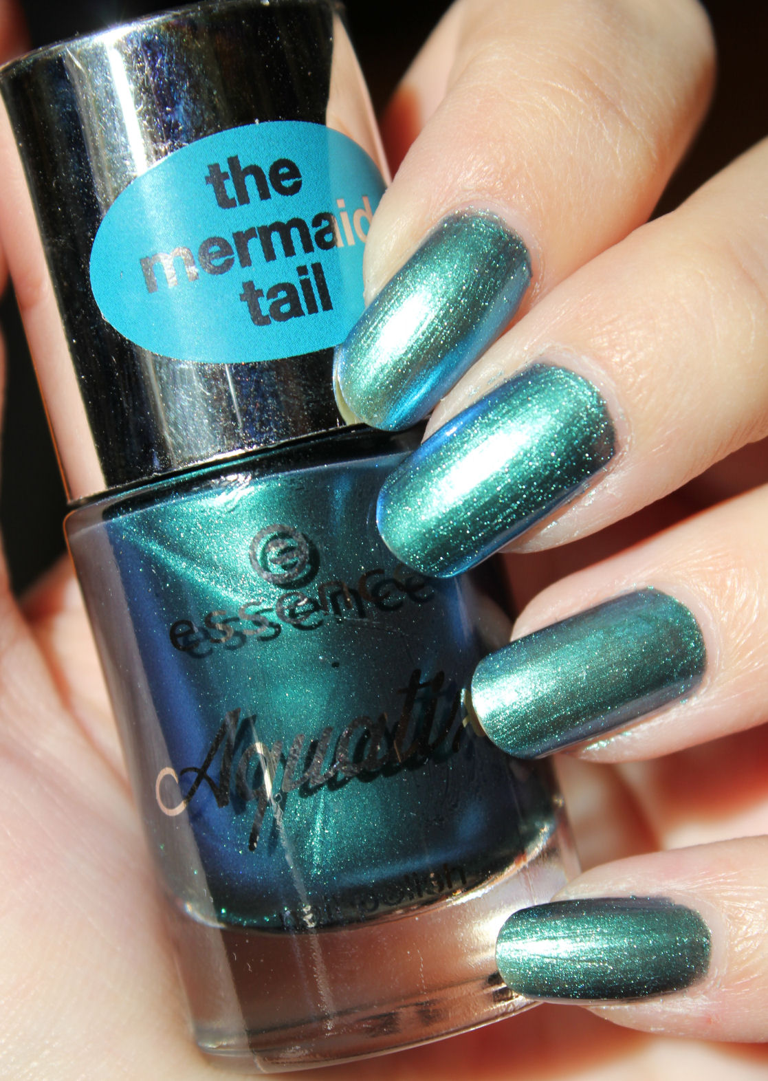 http://lacquediction.blogspot.de/2014/08/essence-aquatix-swatches-review.html