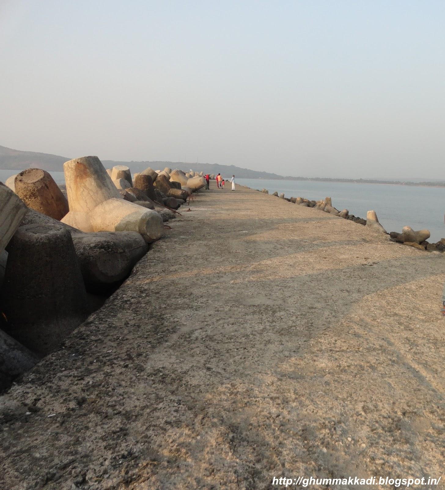 Ratnagiri City At Ratnagiri Maharashtra India: Ghumakkadi: Pune To Ratnagiri Trip Day 2: Ratnadurg Fort