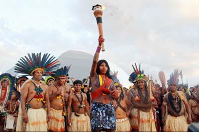 Índios da Amazônia dizem que há um mundo inteiro dentro de nosso planeta