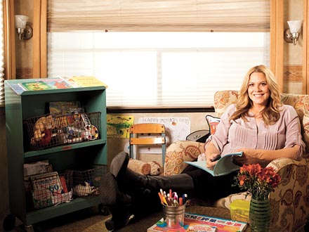 Image: Mary McCormack - Family-Friendly On Set