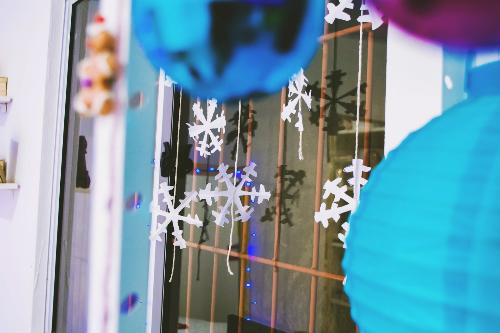 Decorando o quarto para o Natal 2016 Ideias e inspiração com Pisca pisca, cortina de neve e mais
