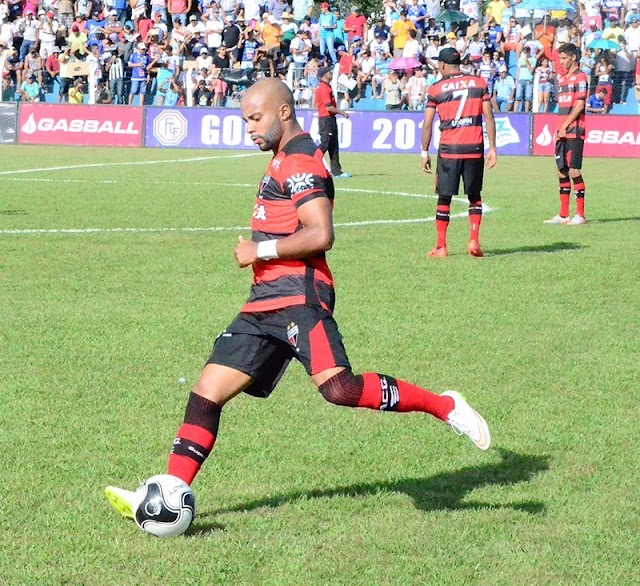 Próximo da final, Romário valoriza campanha do Dragão no Goiano