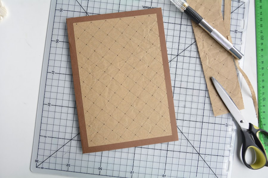 Tarjeta scrapbook papel kraft
