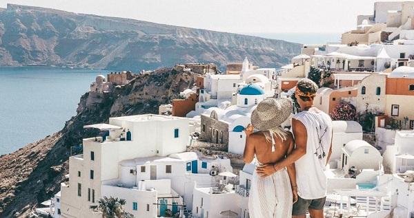 sepasang kekasih ini mendapat uang yang sangat banyak hanya mengunggah gambar di Insta Wow, Pasangan ini Dibayar Rp 120 Juta Tiap Upload 1 Foto di Instagram!