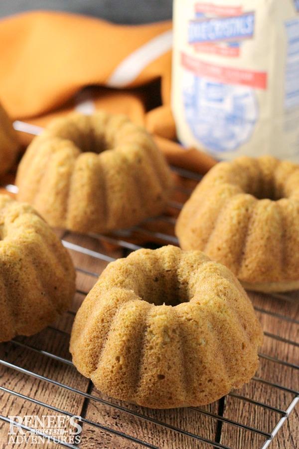 Pumpkin Ginger Mini Bundt Cakes for Mini Jack-O-Lantern Cakes